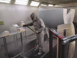 avtoličarstvo plut industrijsko barvanje